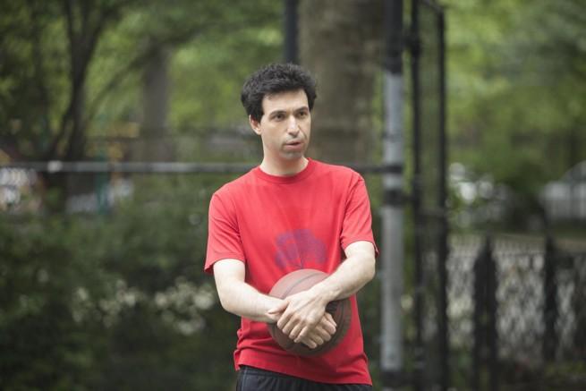 Alex Karpovsky z Julią Roberts w serialu