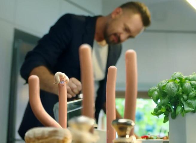 Marcin Prokop reklamuje parówki Berlinki (wideo)