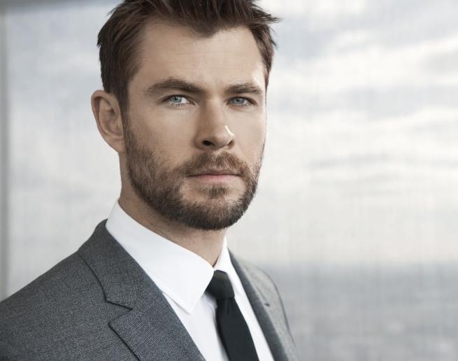 Chris Hemsworth reklamuje perfumy Boss Bottled (wideo)