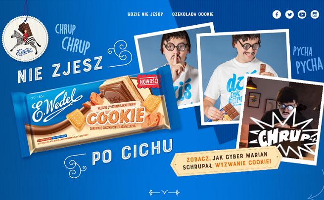 Cyber Marian chrupie, a chłopiec na zebrze pomaga nauczycielce w kampanii czekolady Wedel Cookie (wideo)