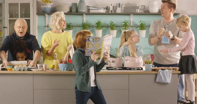 Rodzinna książka kulinarna w promocji sklepów Lidl (wideo)