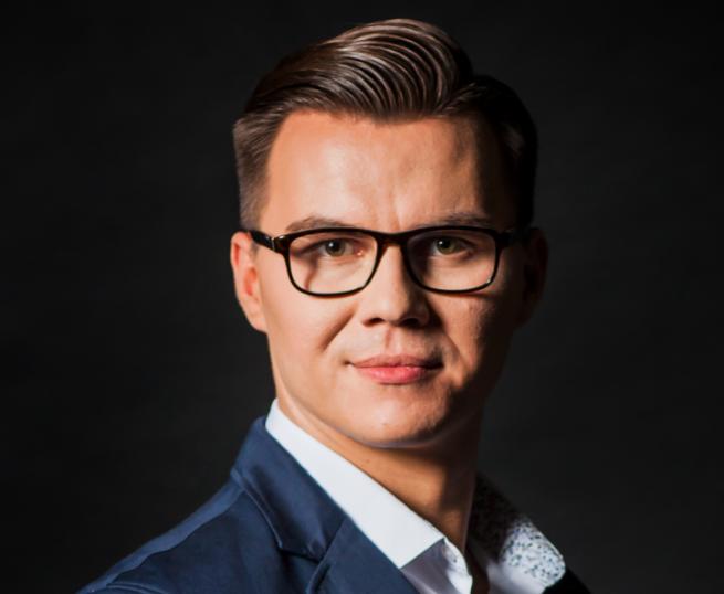 OS3 zmienia strategię firmy, odchodzi Michał Wiśniewski