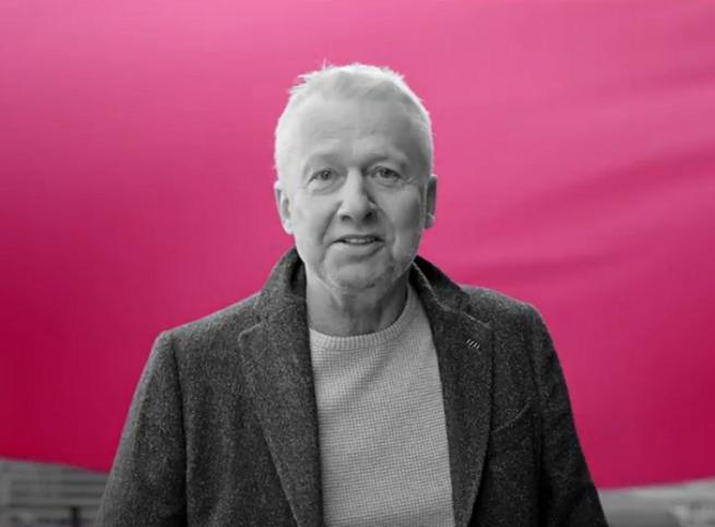 Bogusław Linda reklamuje promocję T-Mobile z 20 GB internetu gratis
