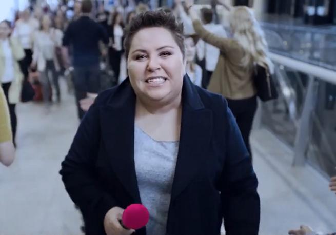 Dorota Wellman i setki wracających klientów w kampanii T-Mobile (wideo)