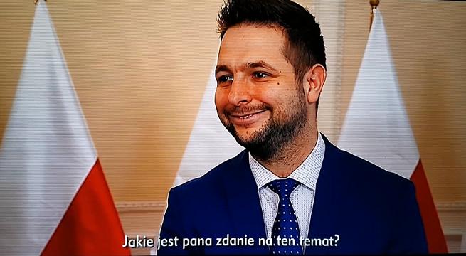 Patryk Jaki w spocie autopromocyjnym TVP Info krytykuje TVN24 i Hannę Gronkiewicz-Waltz (wideo)