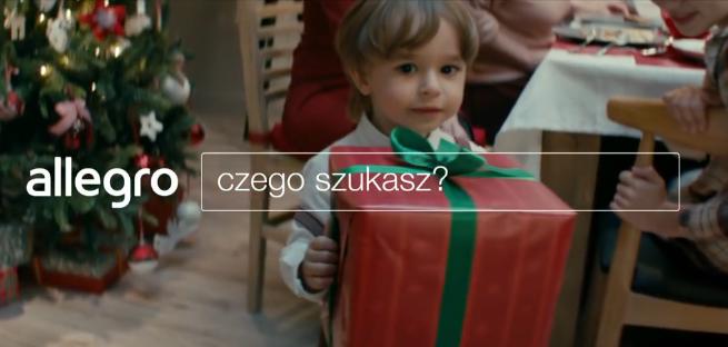 """""""Czego szukasz w Święta"""" - Wigilia wielu pokoleń w reklamach Allegro.pl (wideo)"""