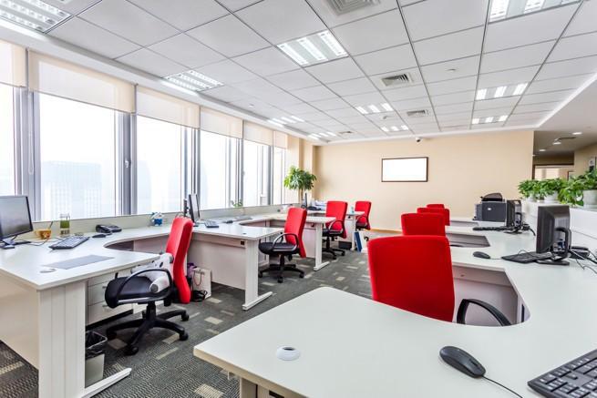 Prawie 90 proc. pracowników biurowych w Polsce nie wyobraża sobie pracy bez papieru