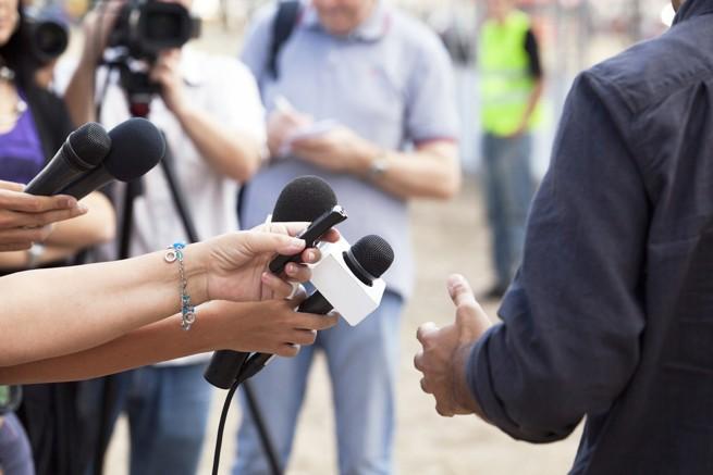 Polsat i RMF FM najlepiej postrzegane, TVP i Polskie Radio mocno w dół, zyskało Radio Maryja (opinie wyborców partii)