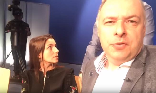 """Michał Fabisiak podczas nagrania """"Sprawy dla reportera"""""""