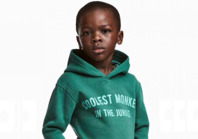 """H&M po aferze z bluzą z napisem """"Coolest Monkey In The Jungle"""" ma poważny problem wizerunkowy"""