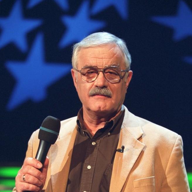 Milion widzów ogląda kabaretowy cykl Jana Pietrzaka w TVP1