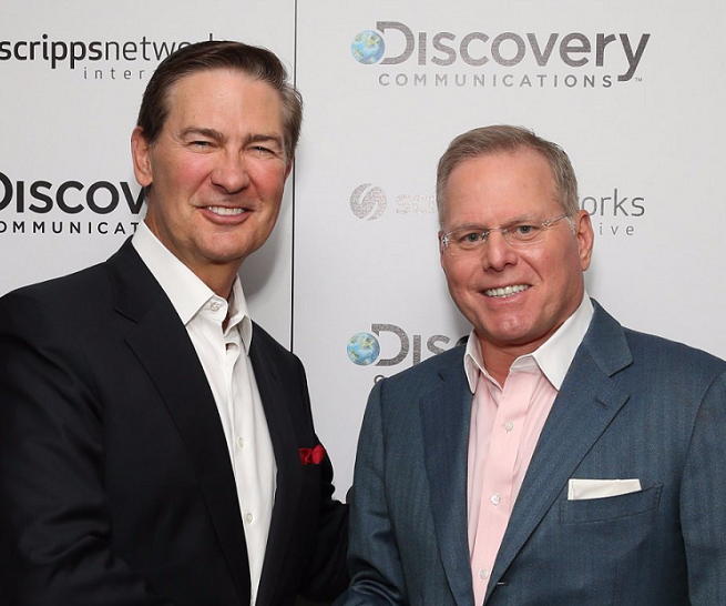 Od lewej: Kenneth W. Lowe (prezes i CEO Scripps Networks Interactive) i David Zaslav (CEO w Discovery Communications)