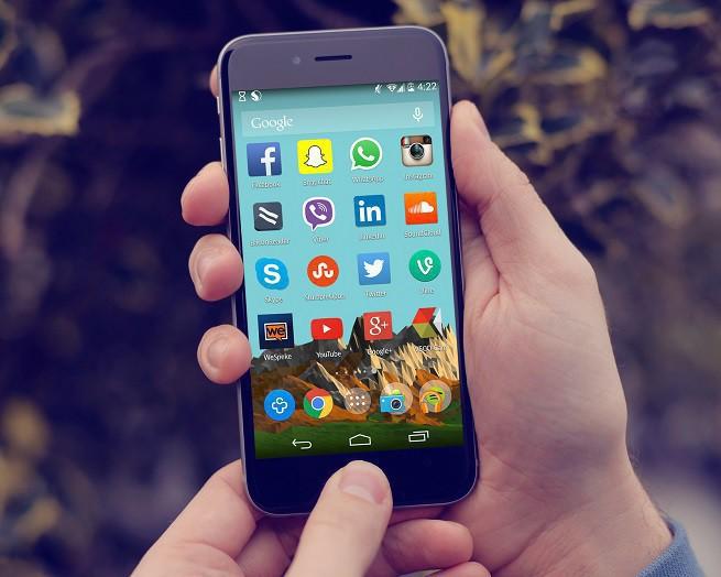Amerykanie spędzają coraz mniej czasu na Facebooku, coraz więcej w innych mediach społecznościowych