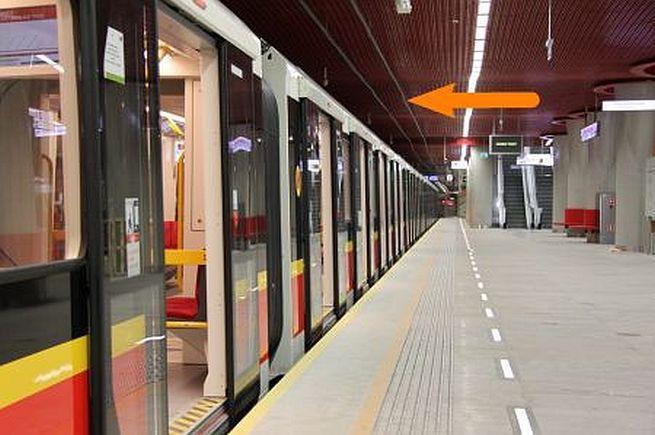 Ströer przejmuje od AMS obsługę nośników reklamowych w wagonach warszawskiego metra