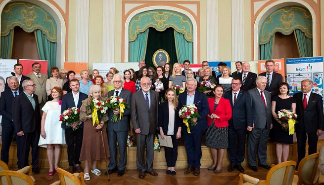 Jarosław Gugała, Piotr Jacoń, Paulina Mikuła i Katarzyna Stoparczyk nagrodzeni w Kuźni Mistrzów Mowy Polskiej