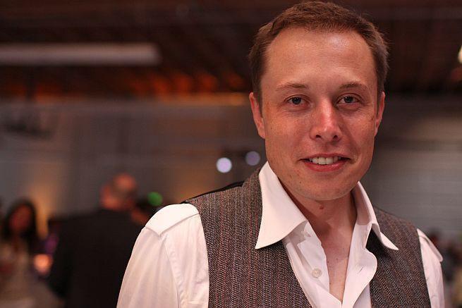 Tesla: rosną przychody, 400 milionów dolarów straty w II kwartale