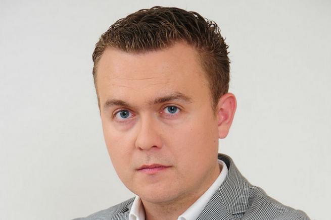 """Telewizja Polska zerwała współpracę z Piotrem Nisztorem. """"Przez twitterowe żarty z Kurskiego"""""""