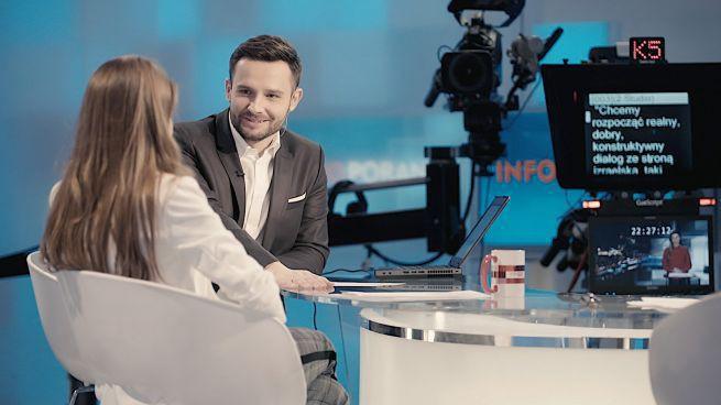 """Poranne pasmo TVP Info ze zmienioną oprawą i serwisami oraz trójką prowadzących. """"Ma być dynamicznie"""" (wideo)"""