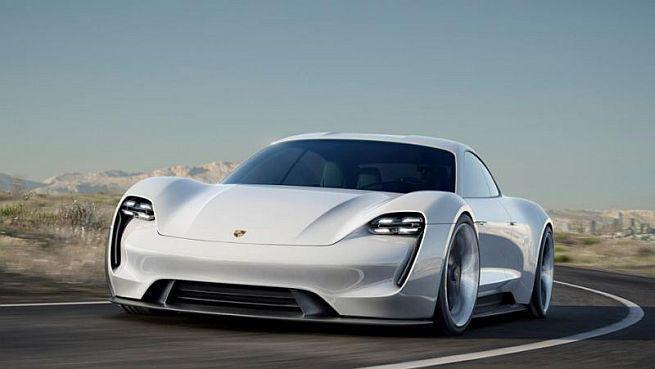Nowe ładowarki od Porsche naładują elektryczne auto w ciągu 15 minut