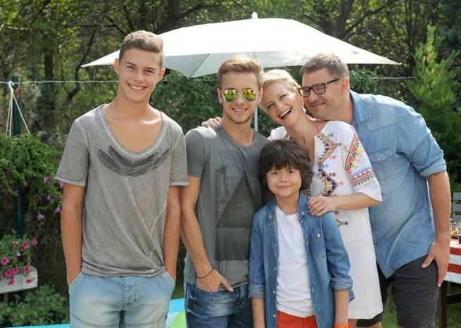 """1,1 mln widzów """"Rodzinki.pl"""". TVP2 zajmuje trzecie miejsce w rynku"""