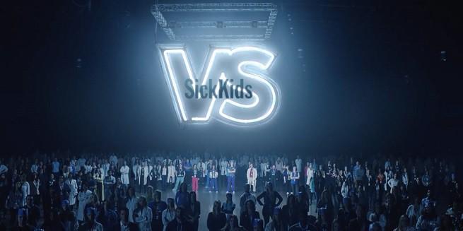 Ryan Reynolds namawia do pomocy chorym dzieciom (wideo)