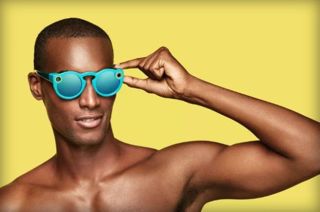 Snap wprowadza na rynek okulary Spectacles w cenie 129 dolarów, sprzedaje je w automatach