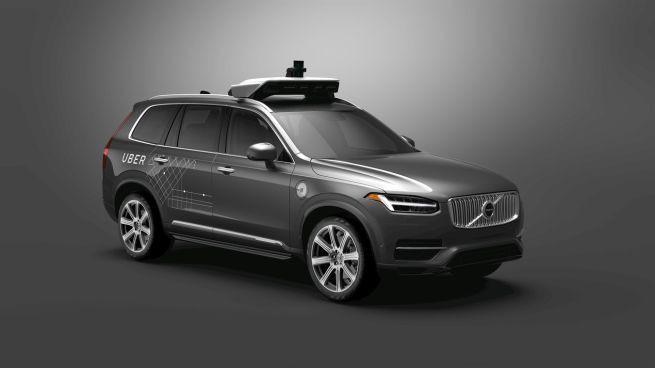 Uber kupi 24 tysiące aut Volvo na potrzeby autonomicznych taksówek