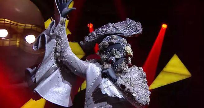 """""""The Mask Singer 2"""" i """"Despacito"""" globalnymi hitami, w Polsce Sławomir przed """"Uchem prezesa"""" i Świeżakami (TOP30 klipów na YouTube)"""
