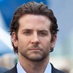 Bradley Cooper ma przebity jeden z bębenków w uszach