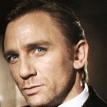 James Bond w internecie promuje