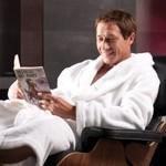 Ekspert Canal+ reklamuje salon wnętrzarski