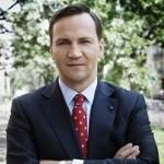 """Radosław Sikorski pozywa """"Fakt"""" i """"Puls Biznesu"""" za antysemickie komentarze"""