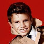 Syn Davida i Victorii Beckhamów w kampanii Burberry (wideo)