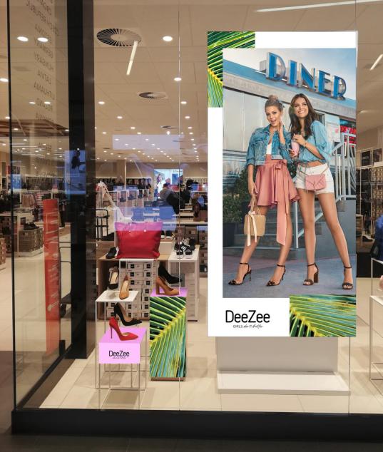 1e928f22 CCC 51 proc. udziałów DeeZee kupiło w październiku ub.r., płacąc 13 mln zł.  Już wtedy zapowiadano, że buty marki DeeZee pojawią się w sklepach CCC, ...