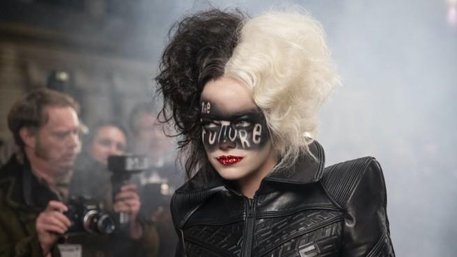 Emma Stone w filmie Cruella