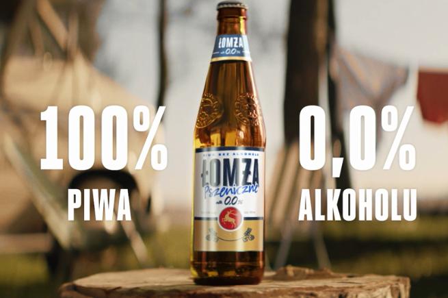 Łomżing w stroju służbowym reklamuje piwo Łomża (wideo)